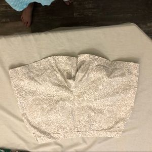 Old navy white with cream patterned chino shorts 4